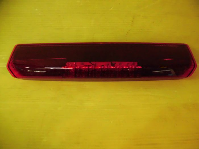 日産純正 C25セレナハイマウント ストップランプ