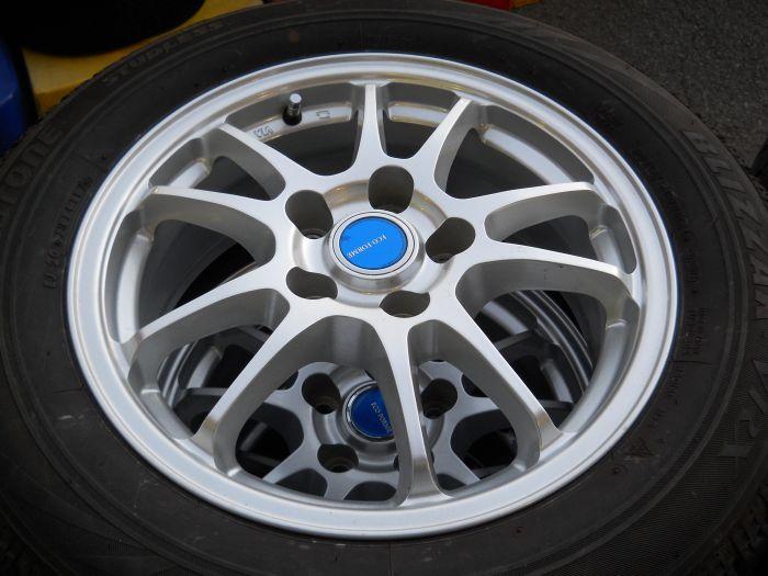 中古スタッドレスタイヤ ブリヂストン VRX 205/60R16 ホイールセット