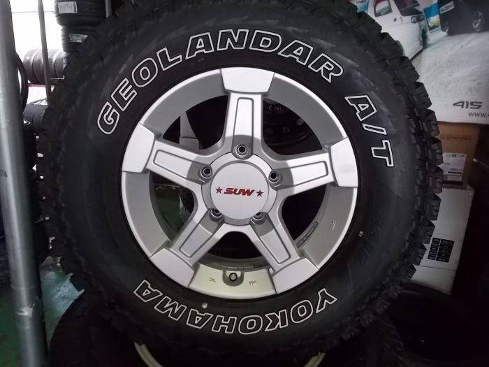 【中古】SUW 16インチ 5H139.7 215/85R16 タイヤセット