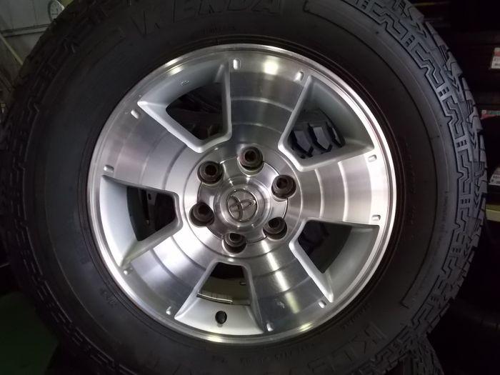 【中古】トヨタ サーフ純正 17インチ 6H139.7  265/65R17 タイヤセット