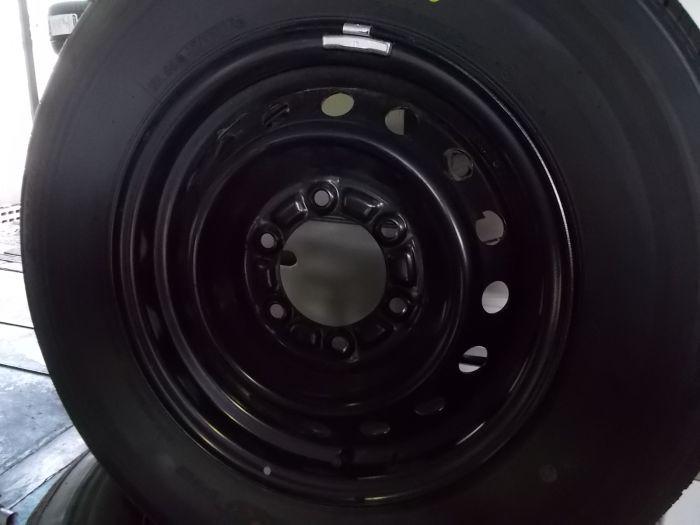 【中古】トヨタ ハイエース鉄 15インチ 6H139.7 ブリヂストン195/80R15 タイヤセット