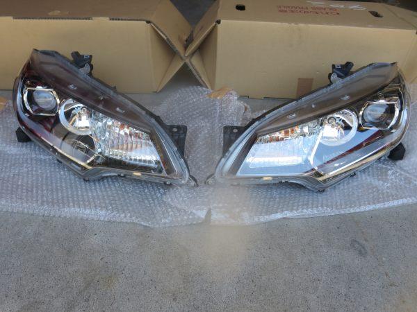 フィットハイブリッド GP5 GP6 LEDヘッドライト 左右セット 中古品 美品